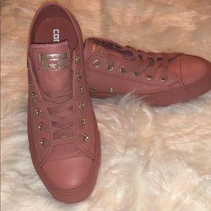 Rare mauve pink converse sneakers!